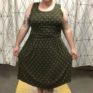 Forest green patterned dress